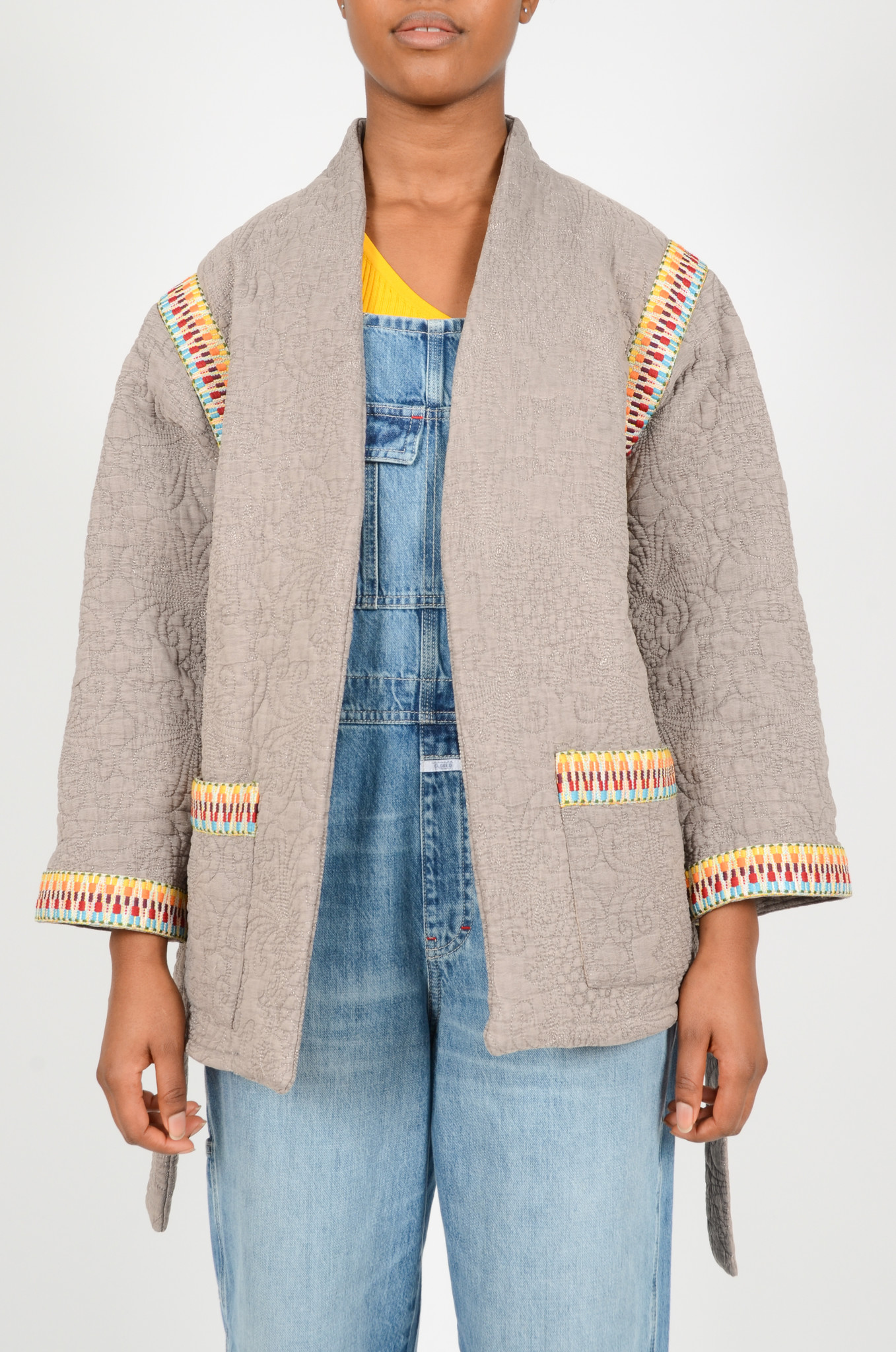QUILTED GREY JACKET  WITH SLEEVES-2