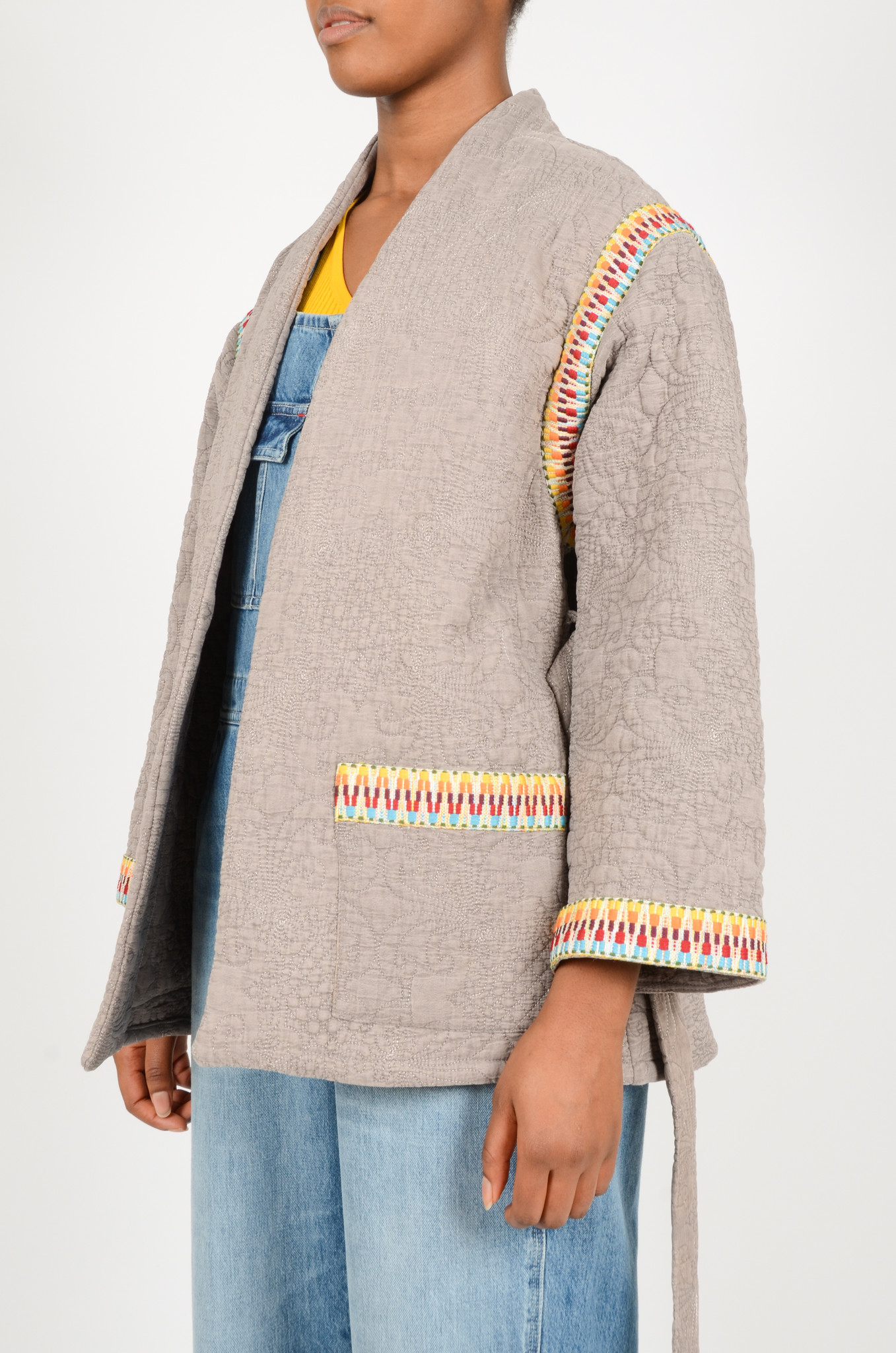 QUILTED GREY JACKET  WITH SLEEVES-3