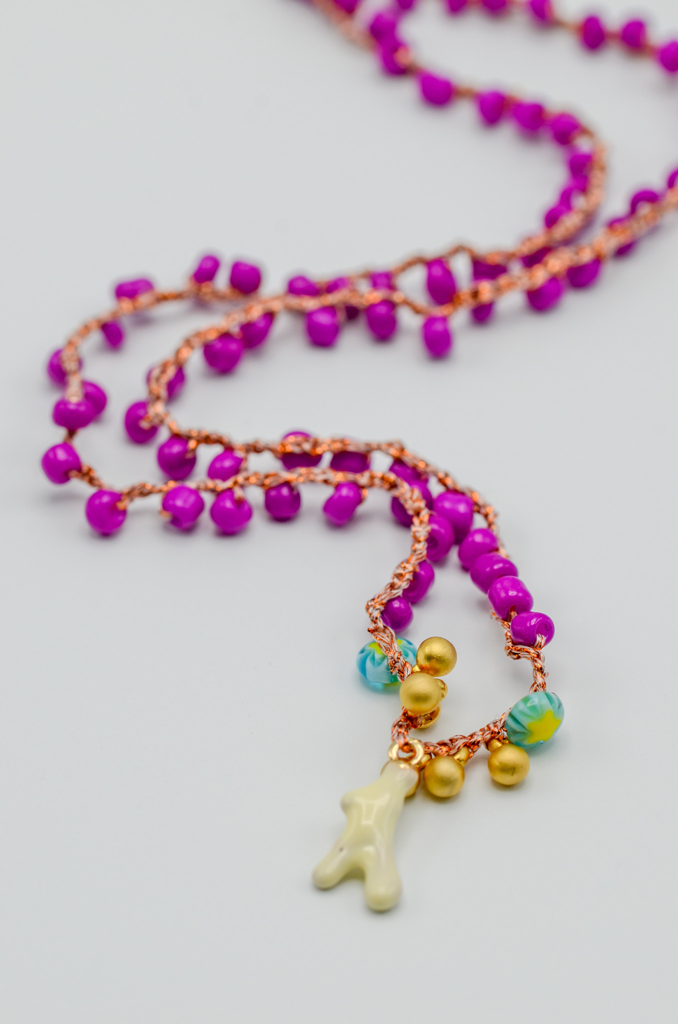 CROCHETED BEAD NECKLACE-2