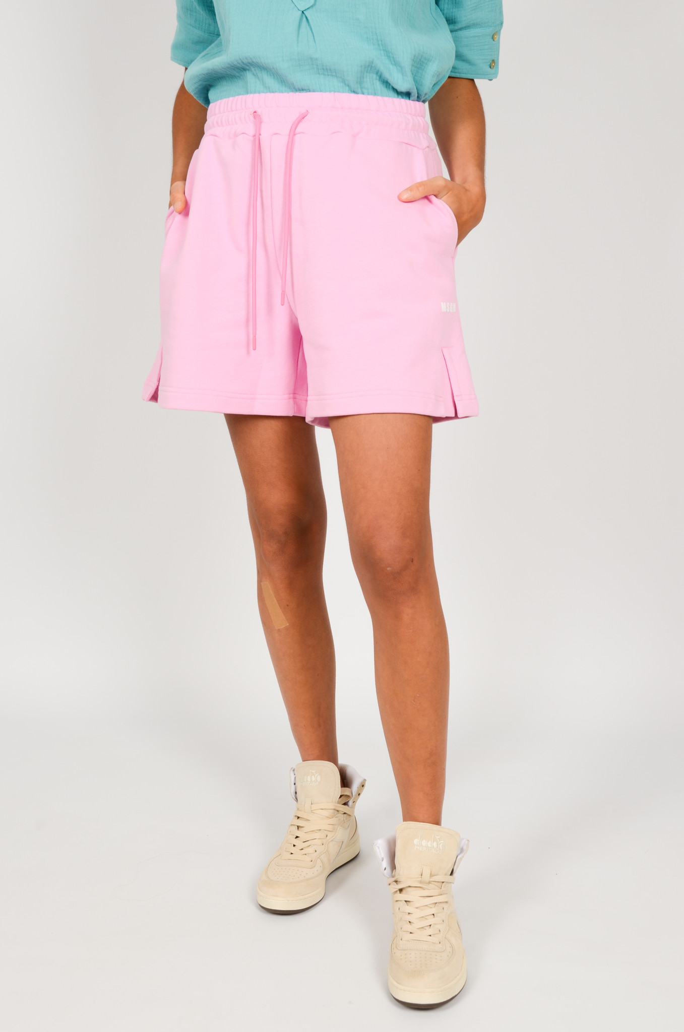 SWEAT SHORTS IN PINK-1