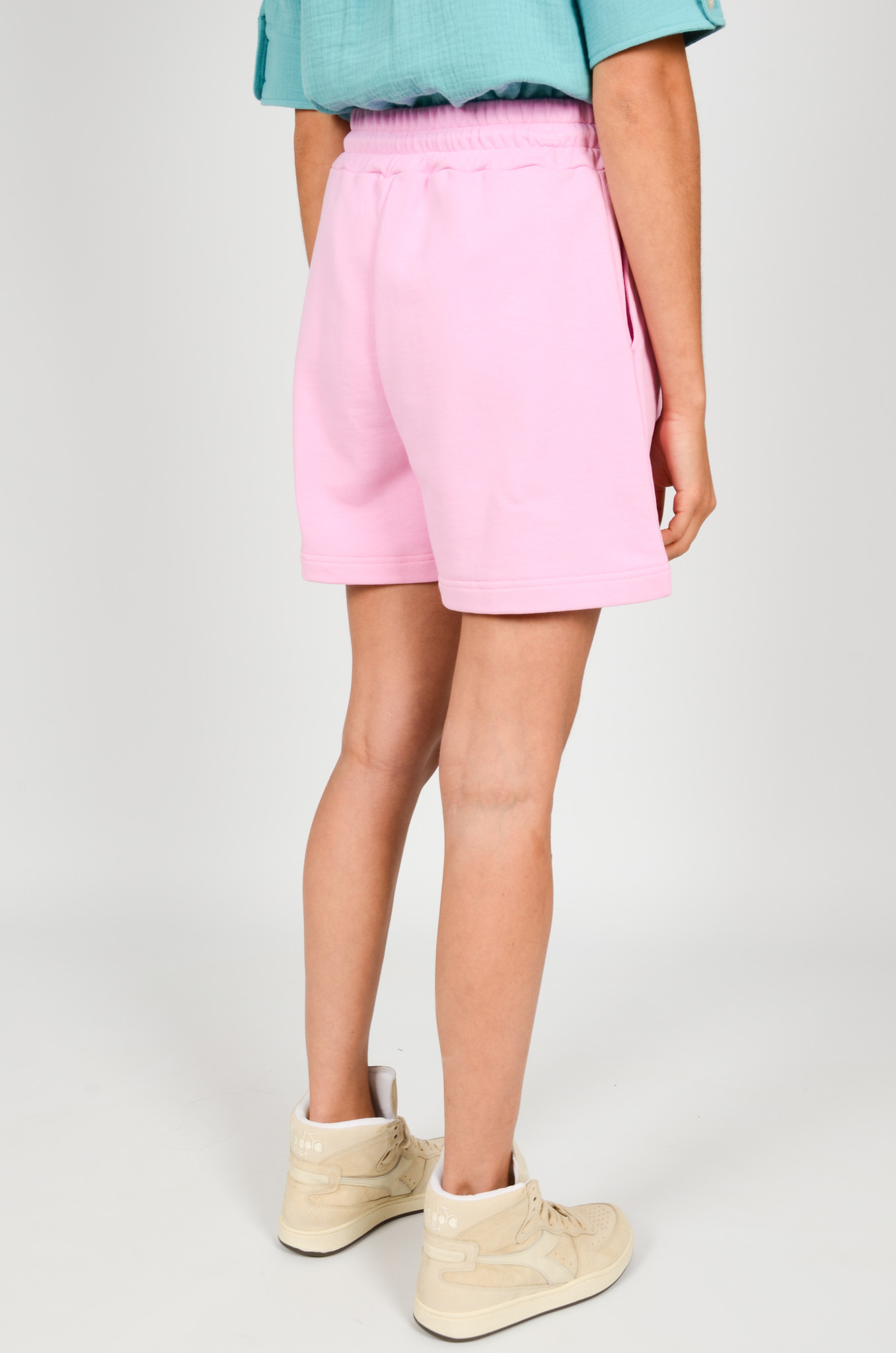 SWEAT SHORTS IN PINK-3