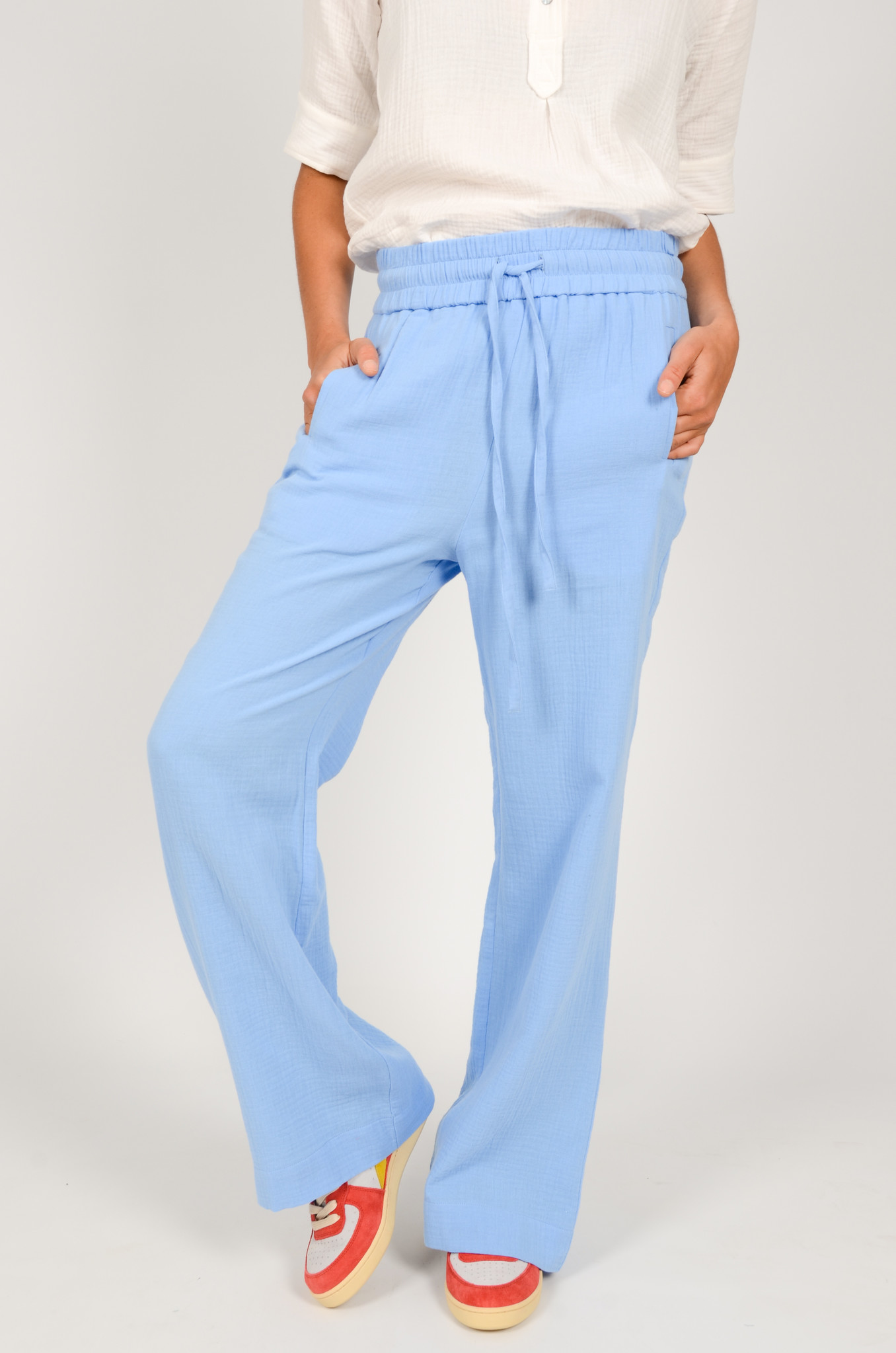 PATTY TROUSERS IN PROVENCE-2