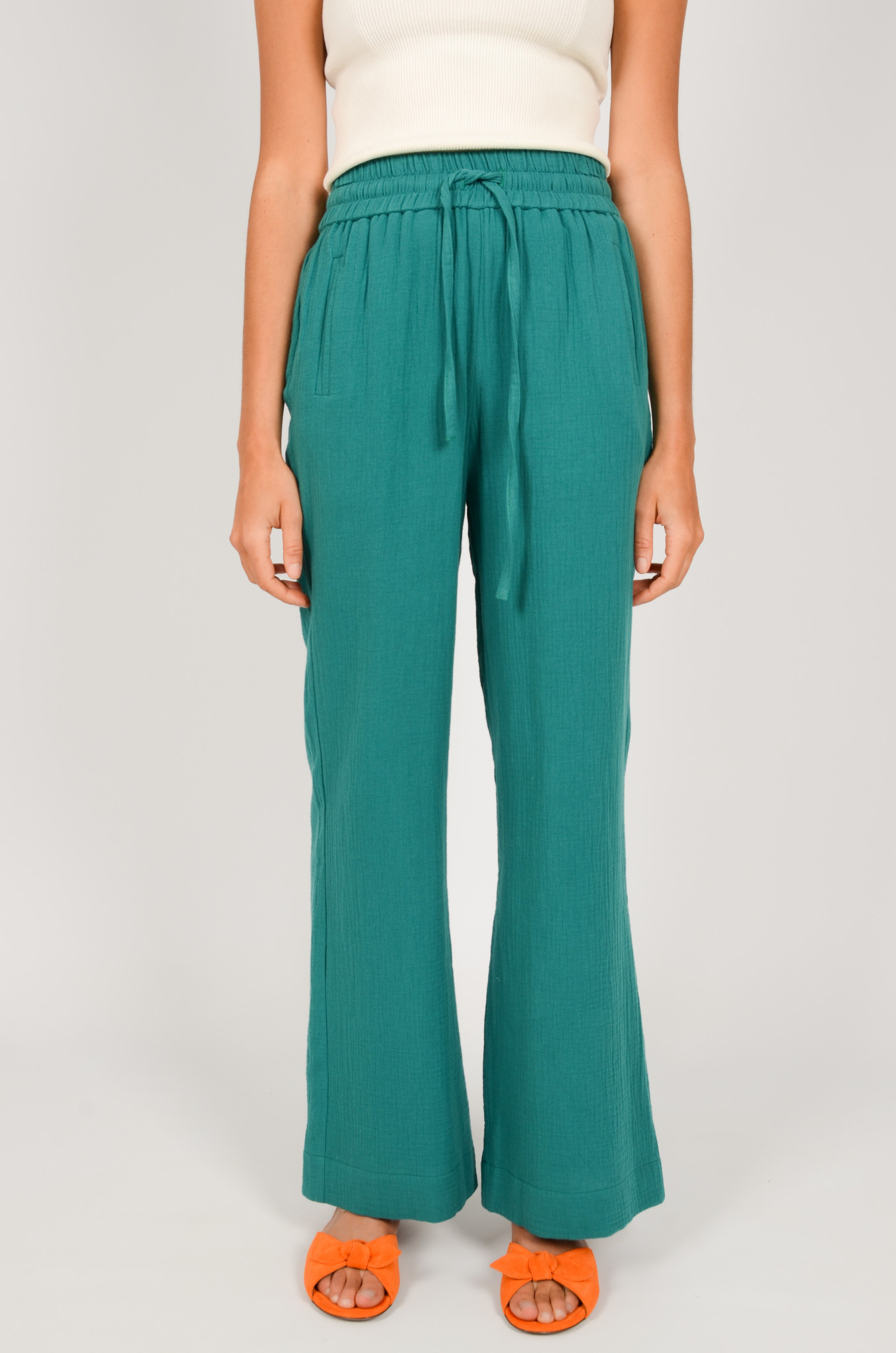 PATTY TROUSERS IN GREEN-1
