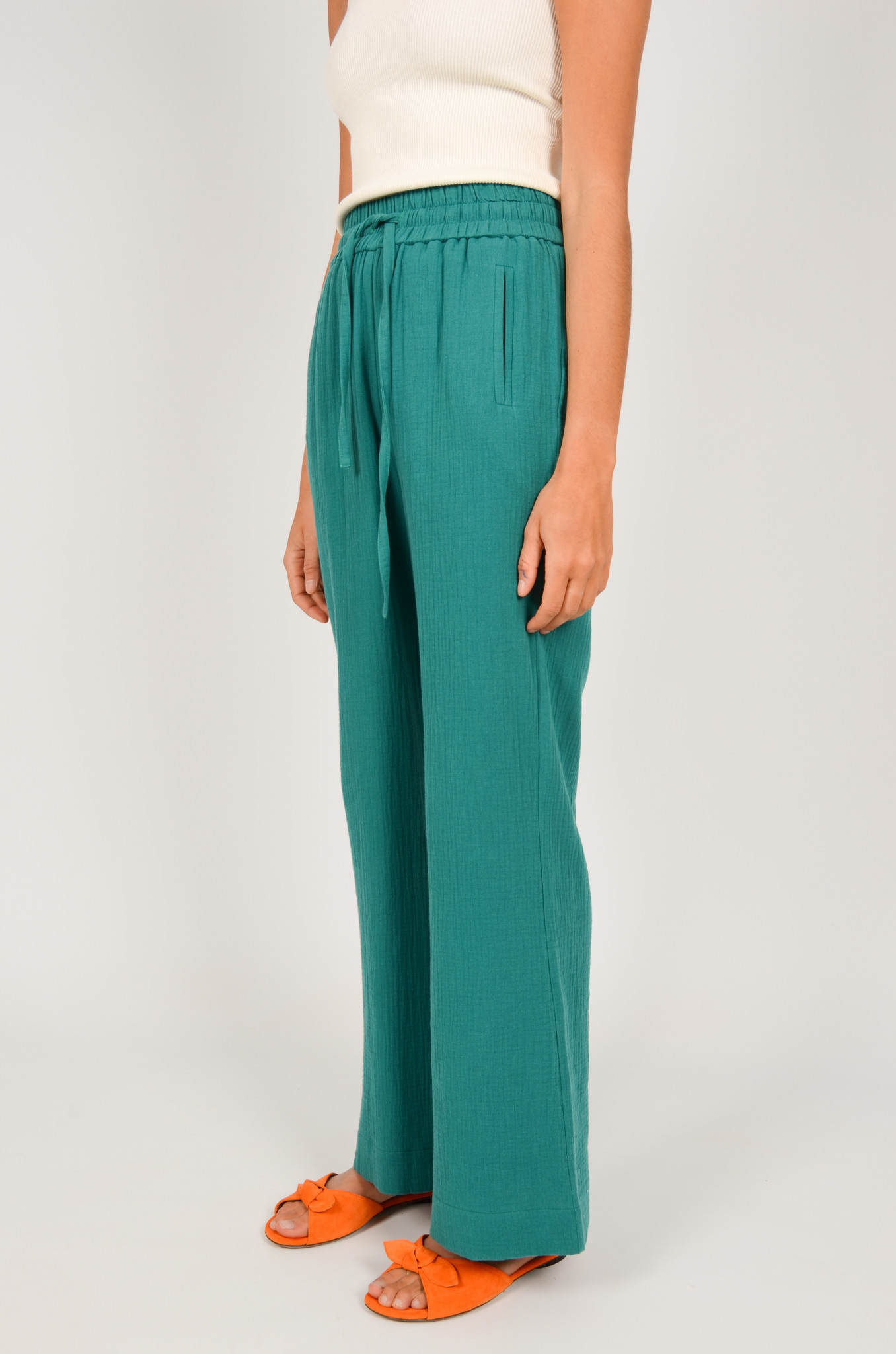 PATTY TROUSERS IN GREEN-3