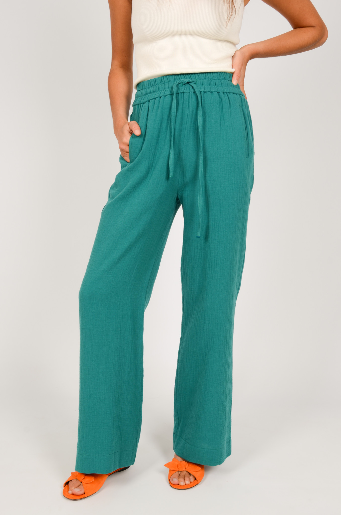 PATTY TROUSERS IN GREEN-2