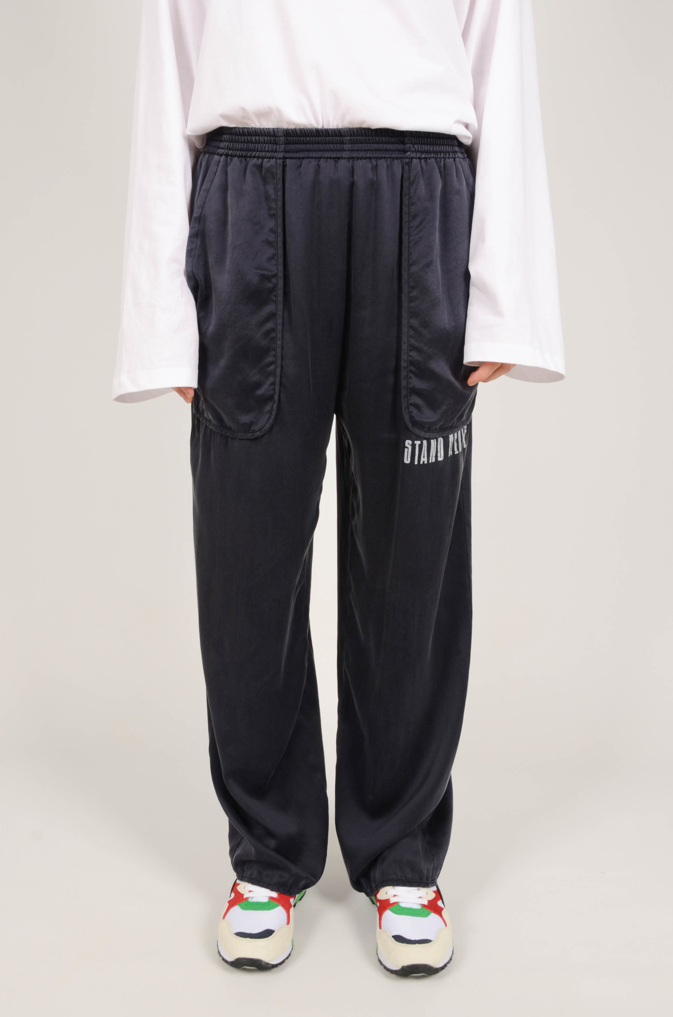 SILK TRACKSUIT PANTS IN NAVY-1