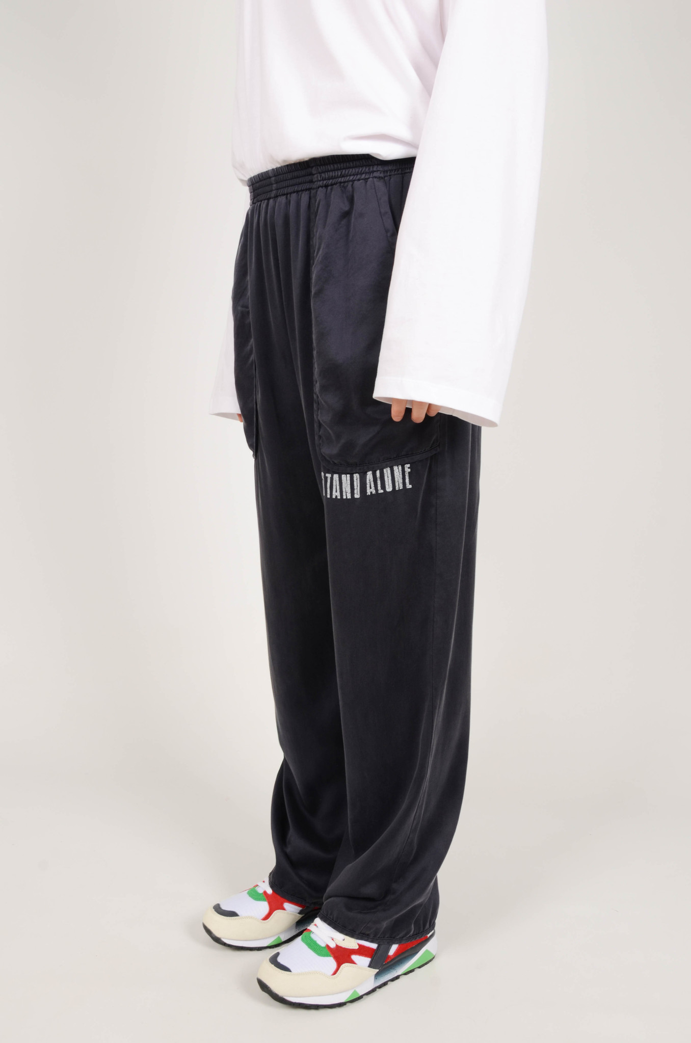 SILK TRACKSUIT PANTS IN NAVY-3