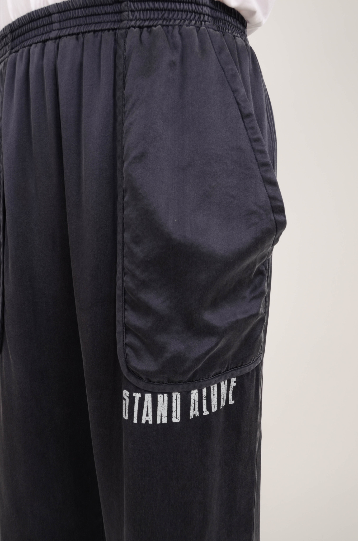 SILK TRACKSUIT PANTS IN NAVY-5