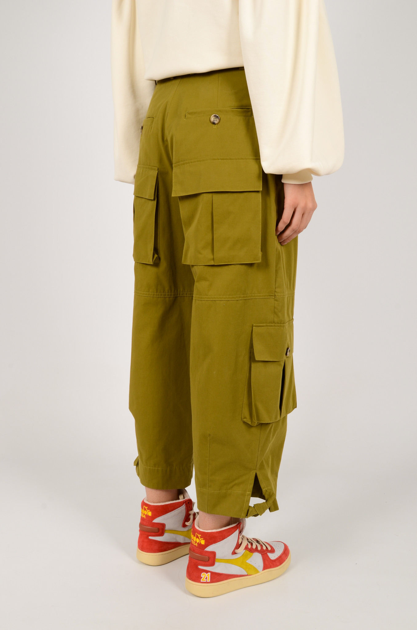 CARGO PANTS IN OLIVE GREEN-3