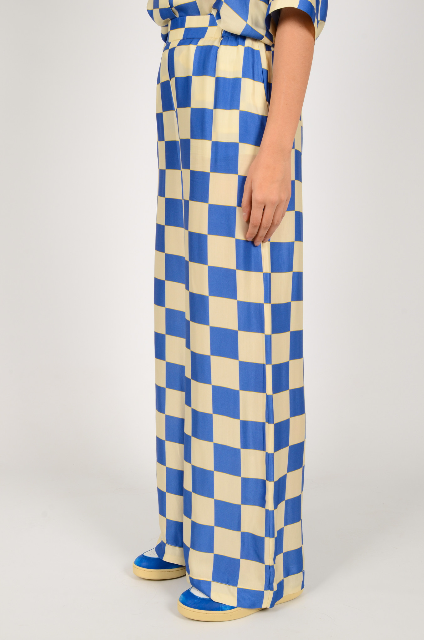 CHECKERED SATIN TROUSERS-3