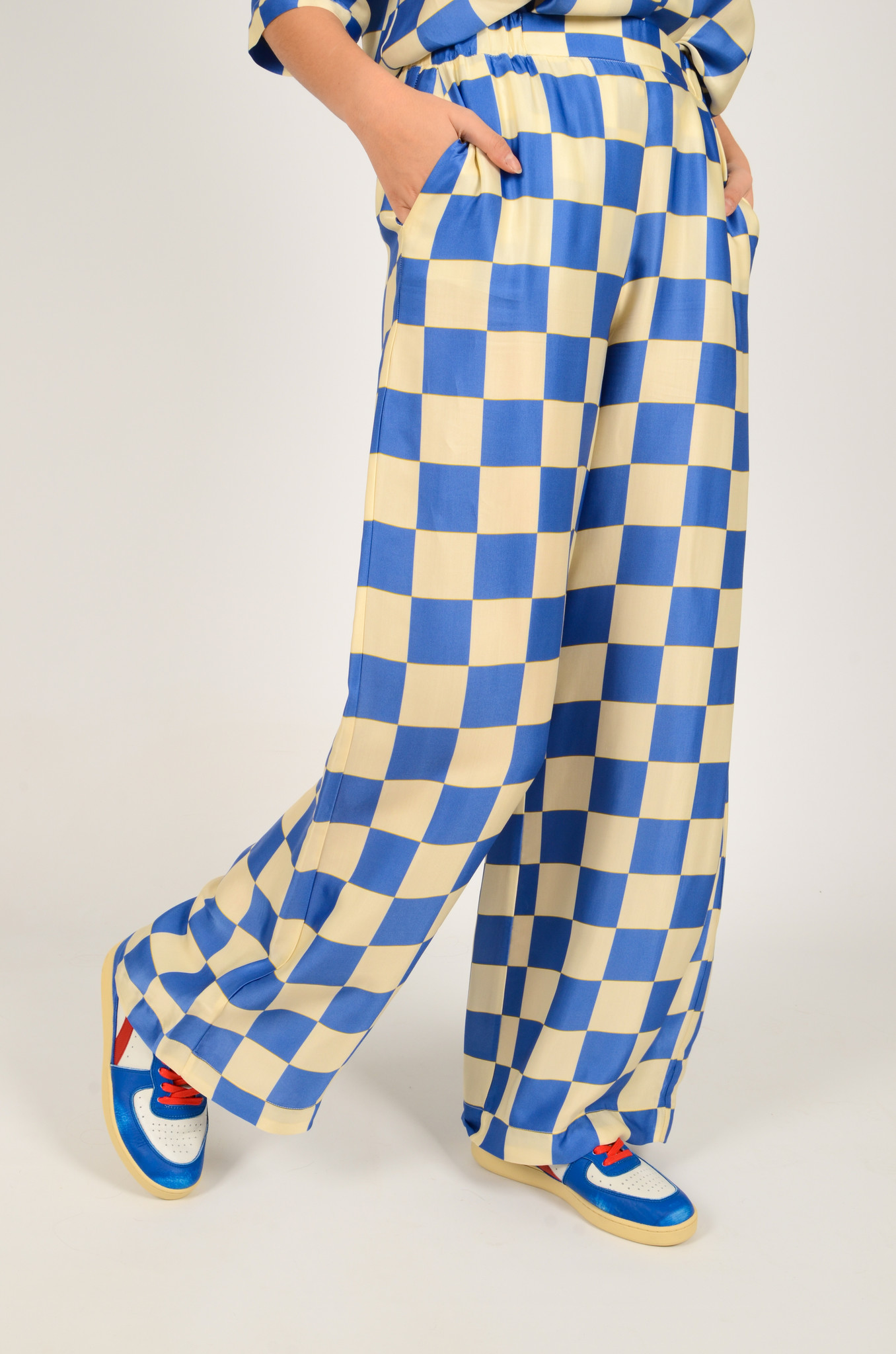 CHECKERED SATIN TROUSERS-2