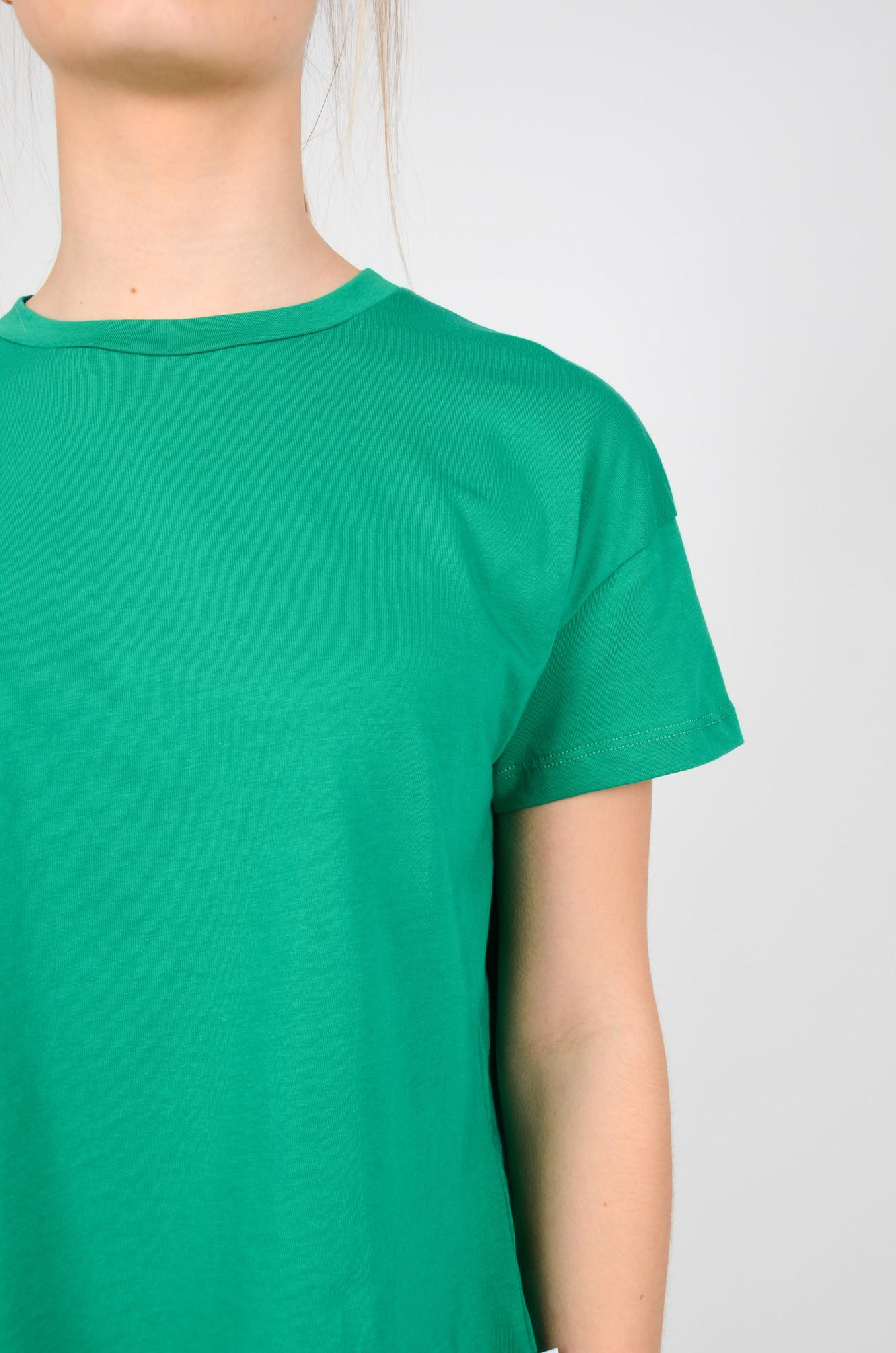 BASIC TEE IN GREEN-4