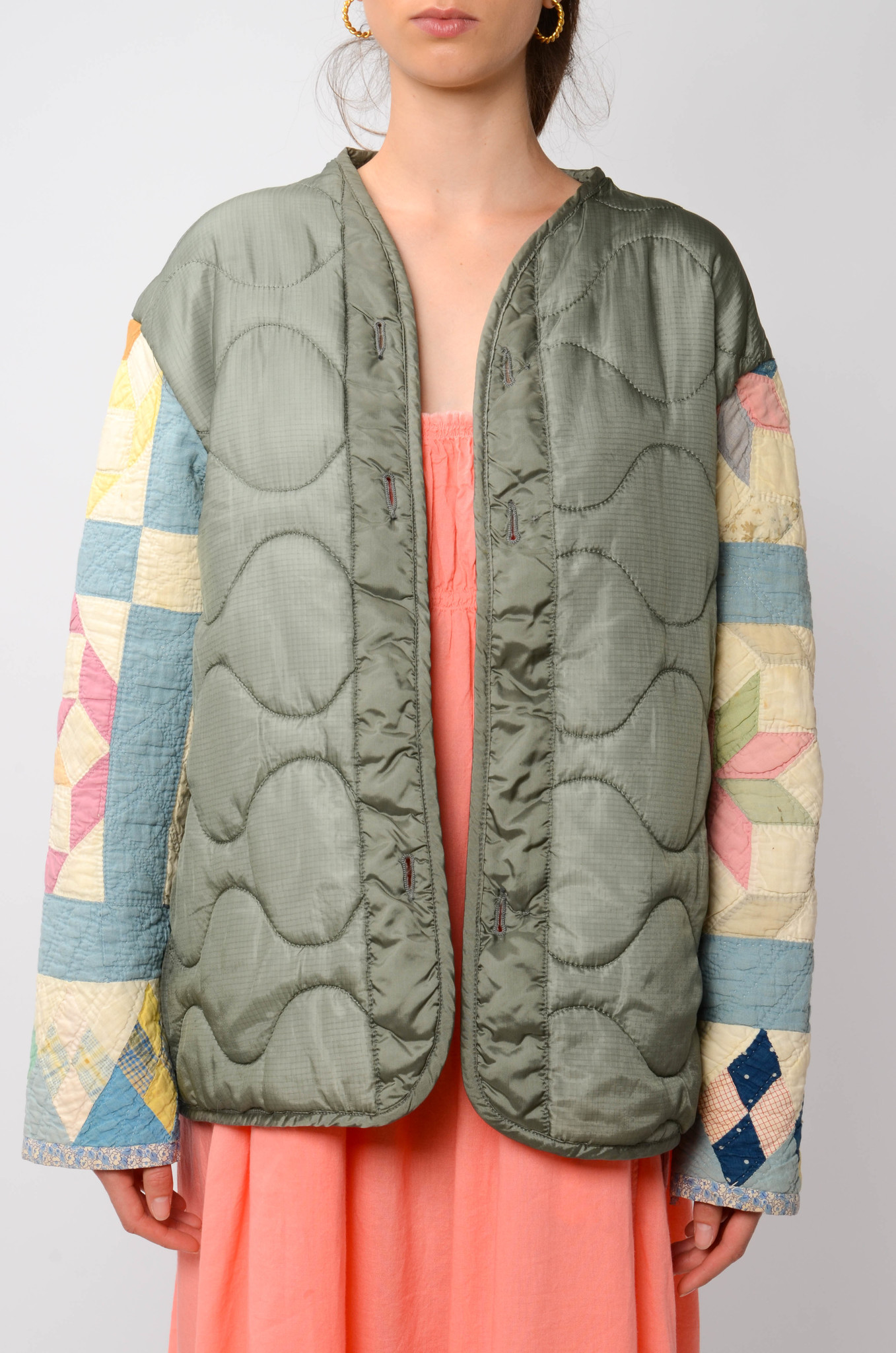 UPCYCLED QUILTED  JACK WITH PATCHWORK SLEEVES-1