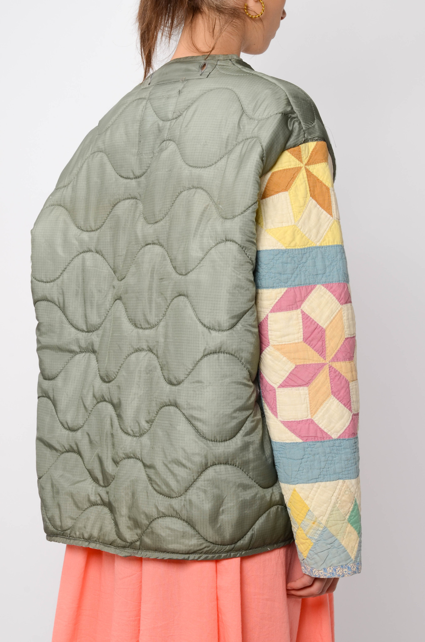 UPCYCLED QUILTED  JACK WITH PATCHWORK SLEEVES-4