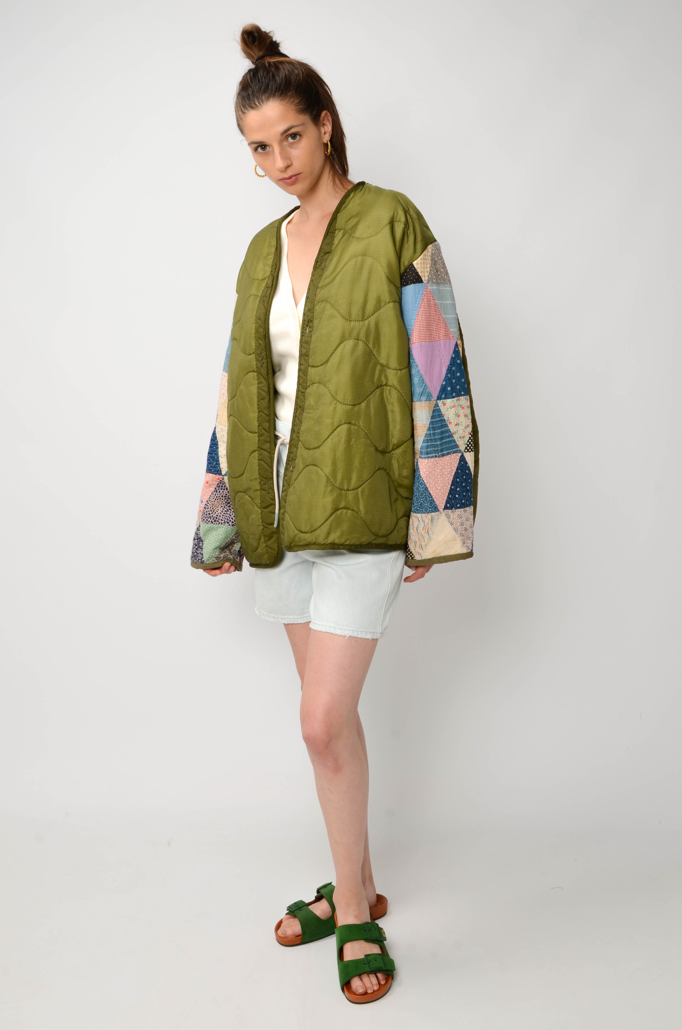 UPCYCLED QUILTED  JACK WITH PATCHWORK SLEEVES-2