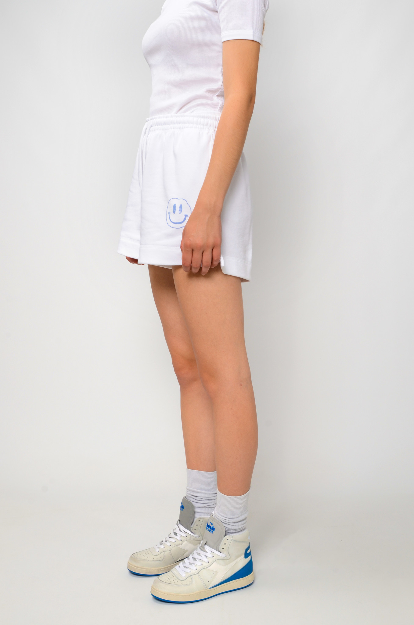 SMILEY SWEAT SHORTS IN HEATHER-3