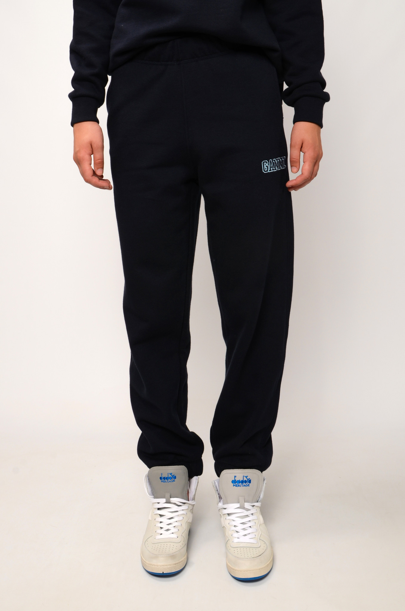 SOFTWARE JOGGERS IN SKY CAPTAIN-1