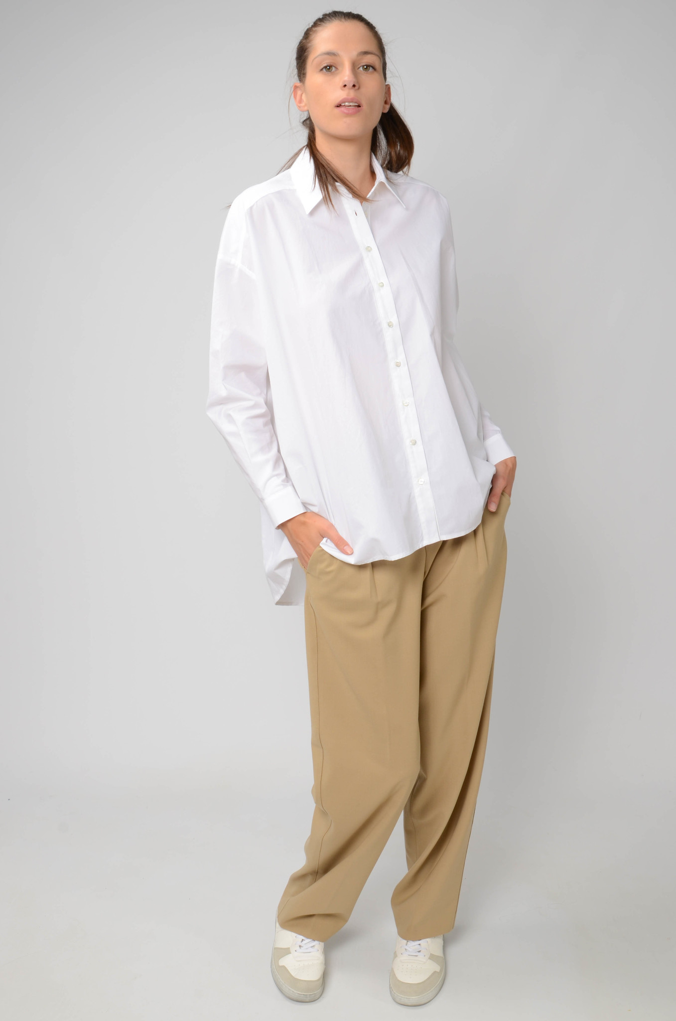 ESSENTIAL SHIRT IN WHITE-2