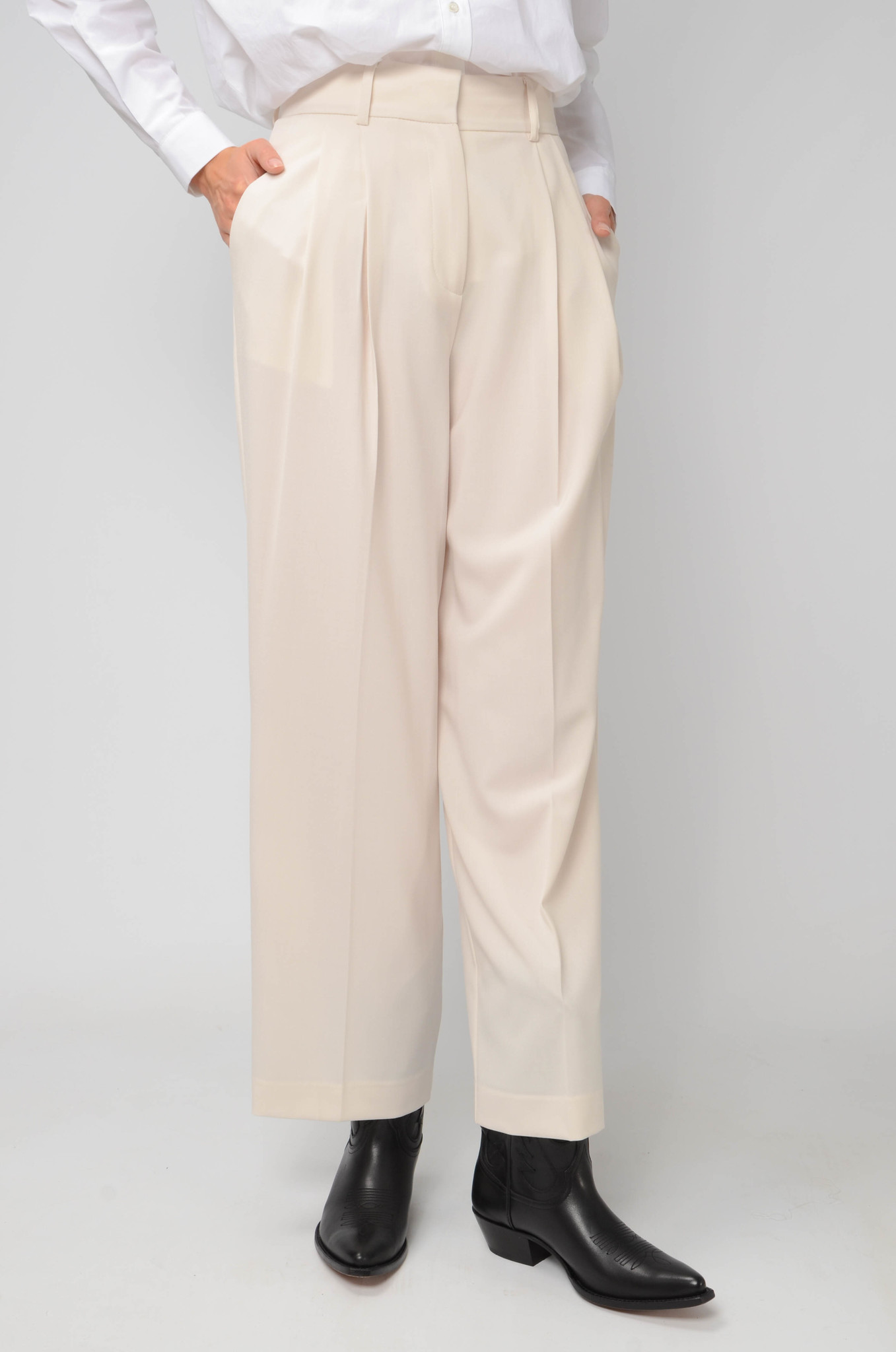 PLEATED TROUSERS-6