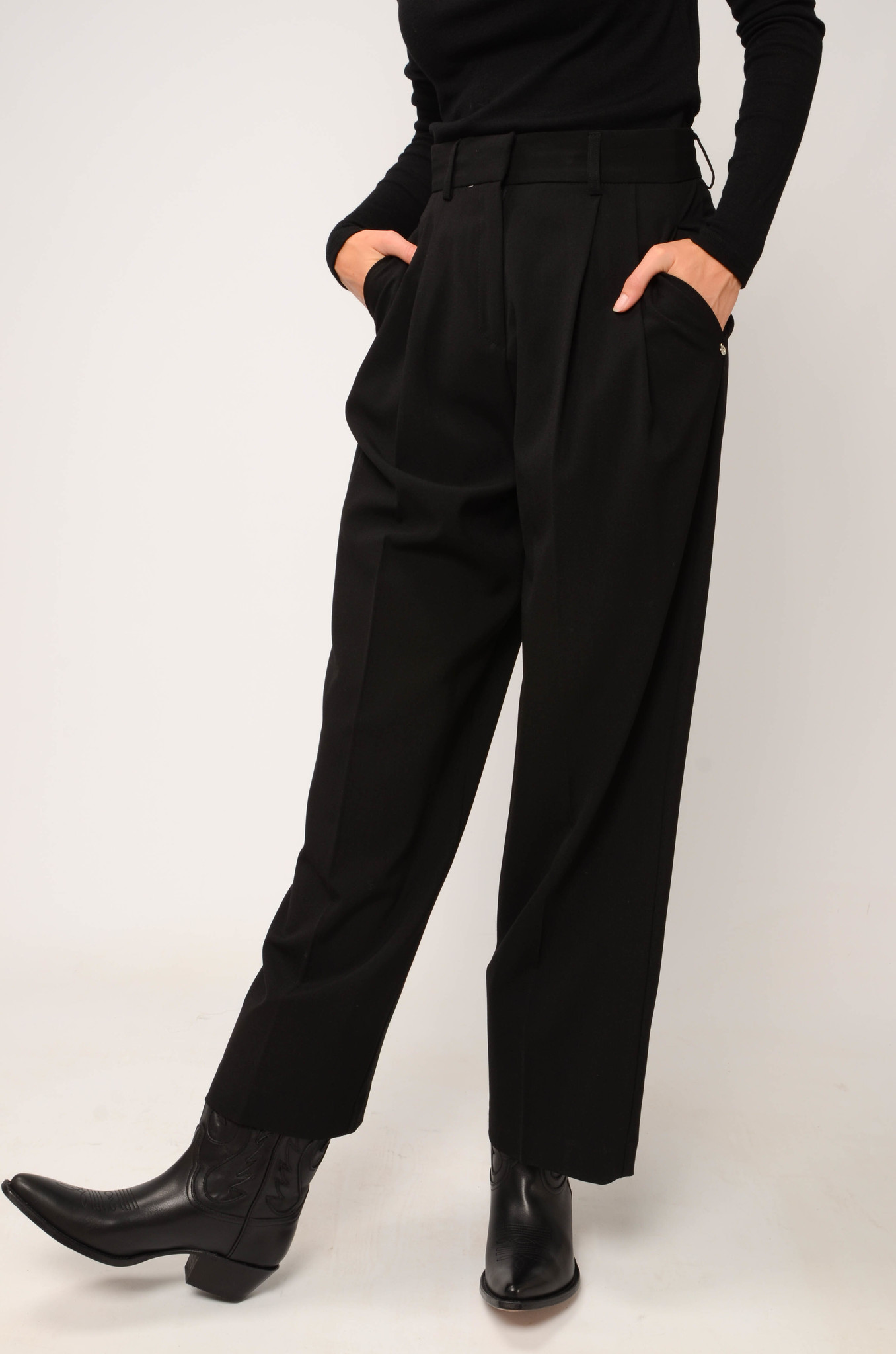 PLEATED TROUSERS-5