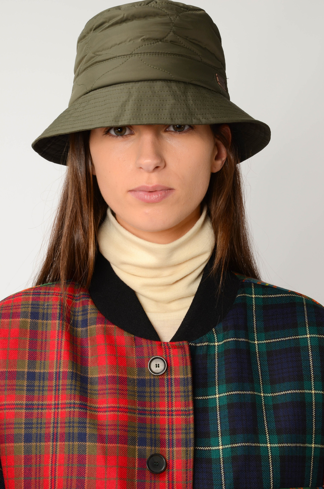 QUILTED  BUCKET HAT IN OLIVE-2