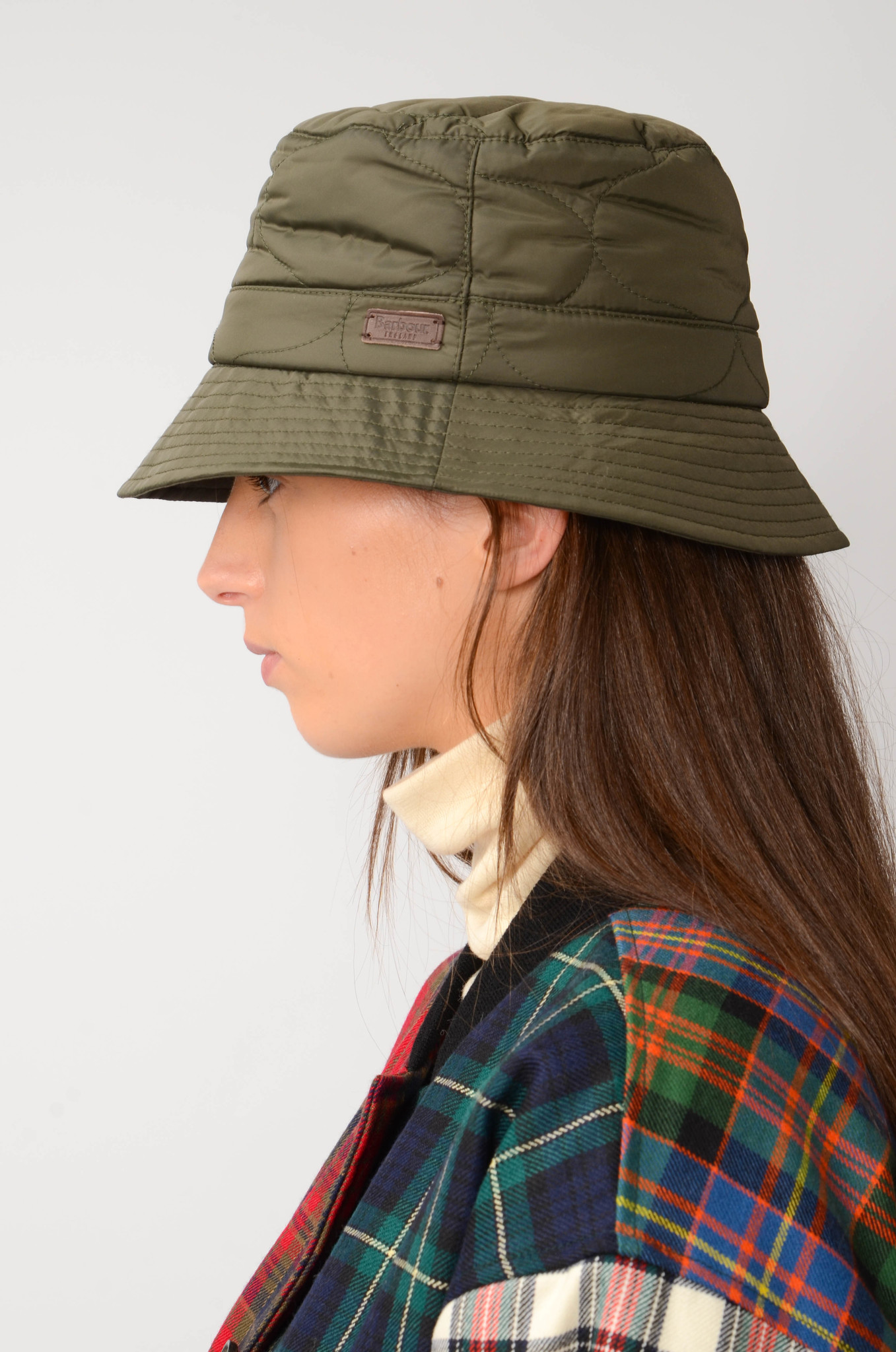 QUILTED  BUCKET HAT IN OLIVE-6