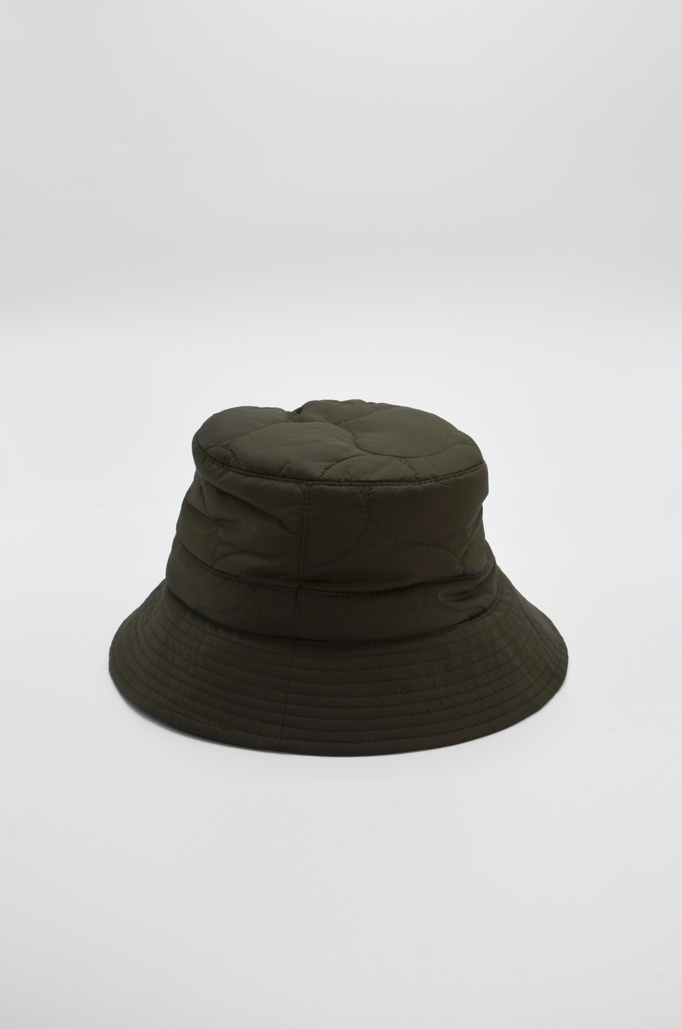 QUILTED  BUCKET HAT IN OLIVE-3