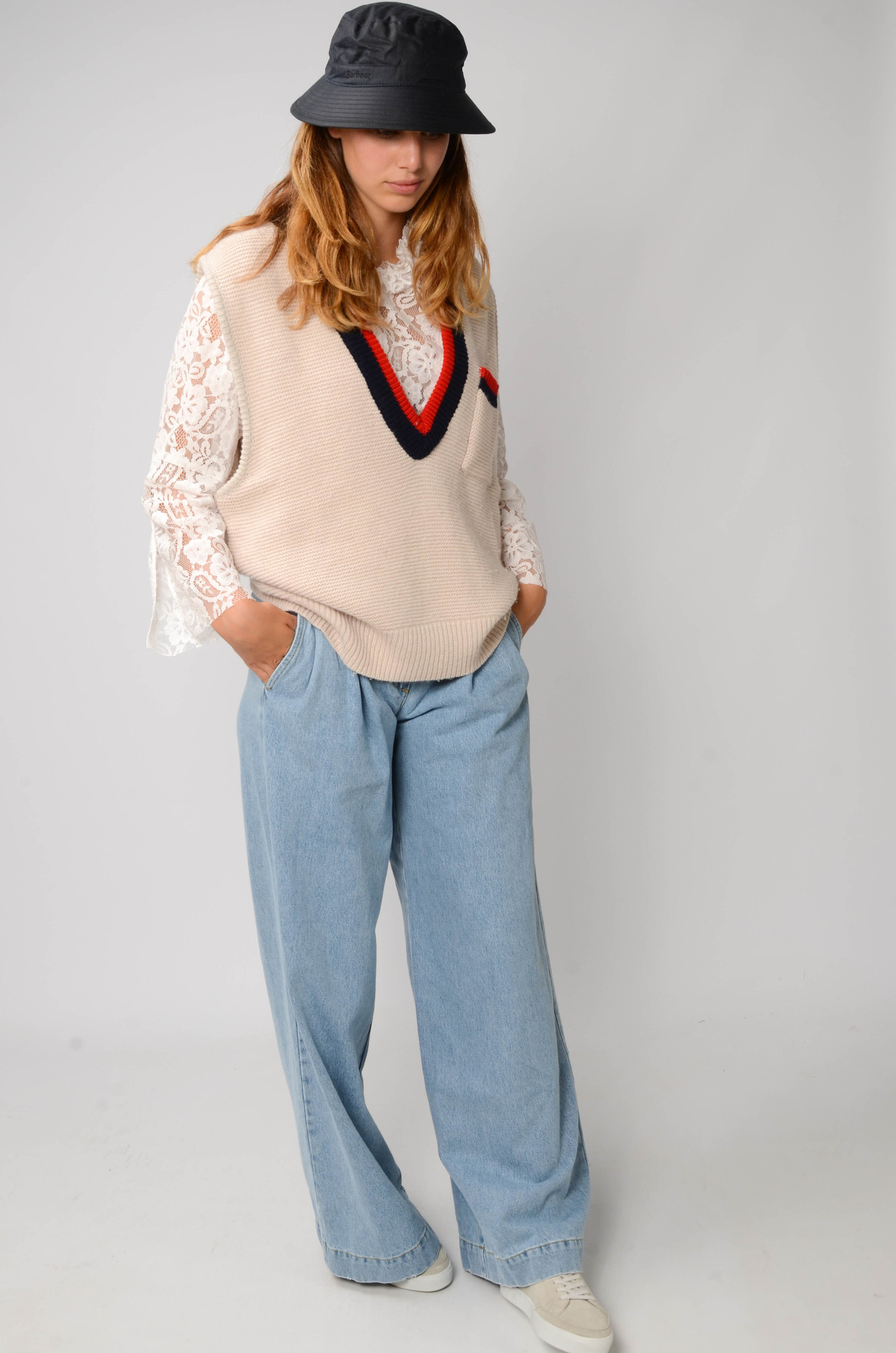 COLLEGE KNITTED VEST-2