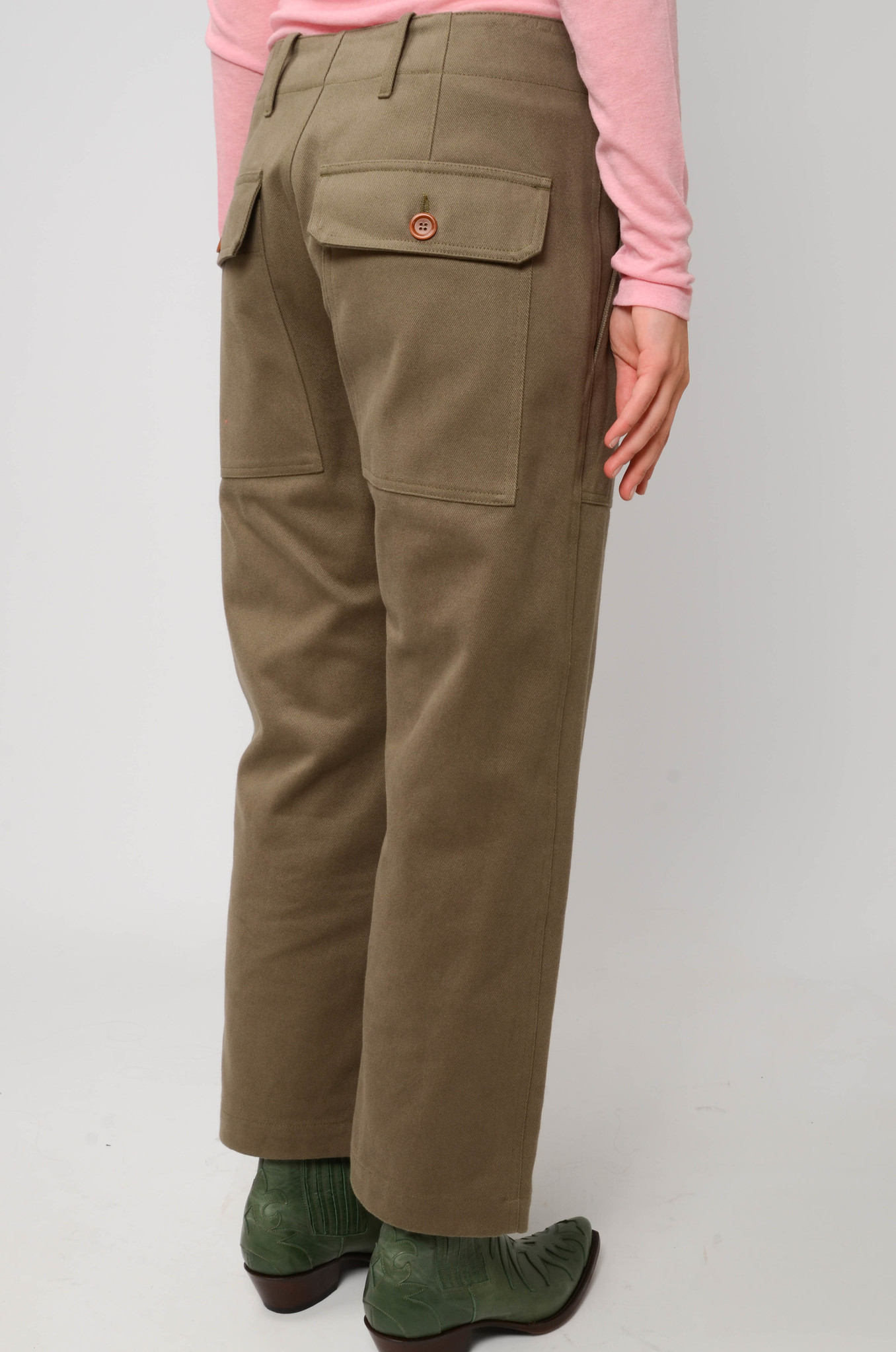 CAMILLE TROUSERS IN ARMY GREEN-4