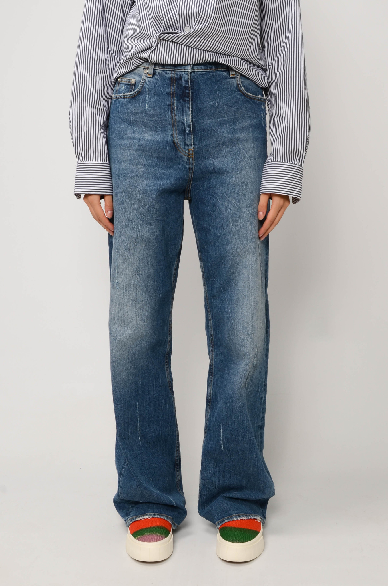 FADED STRAIGHT JEANS IN MEDIUM BLUE-1