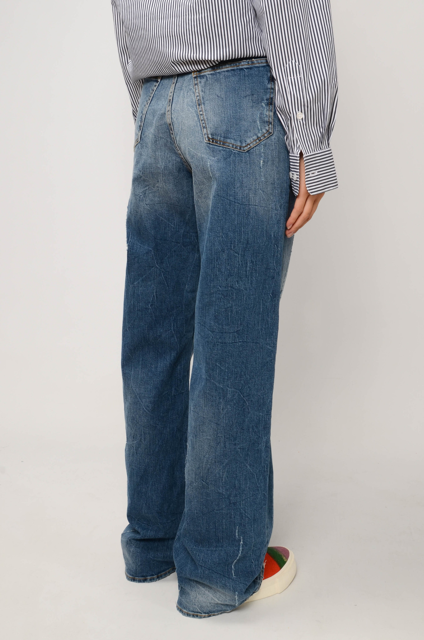 FADED STRAIGHT JEANS IN MEDIUM BLUE-4