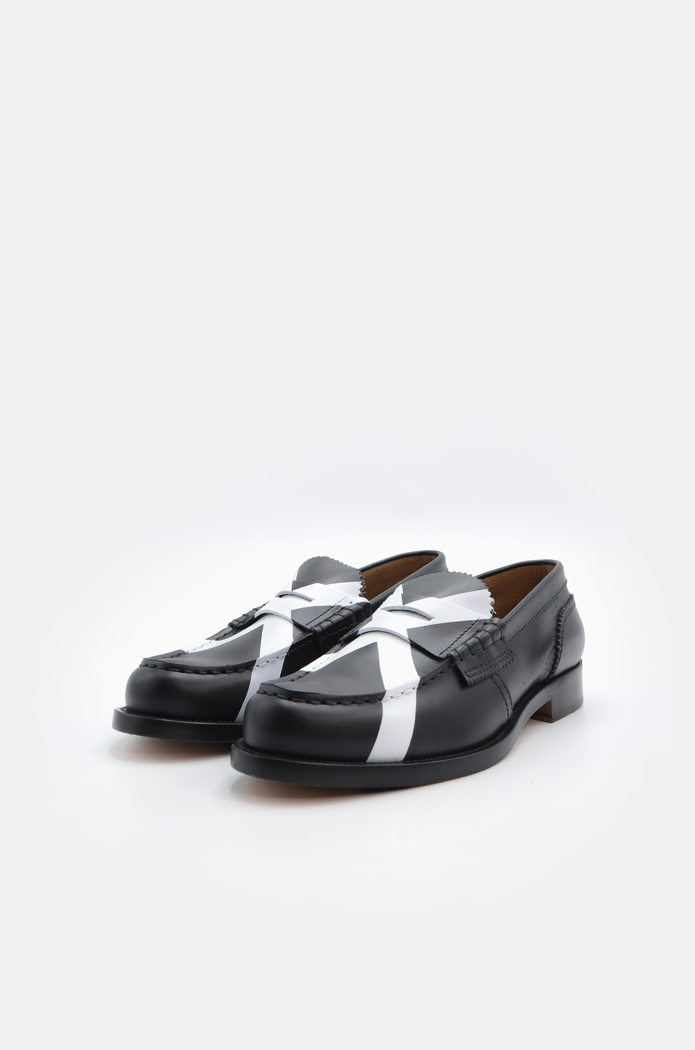 PENNY LOAFER IN BLACK X WHITE-4