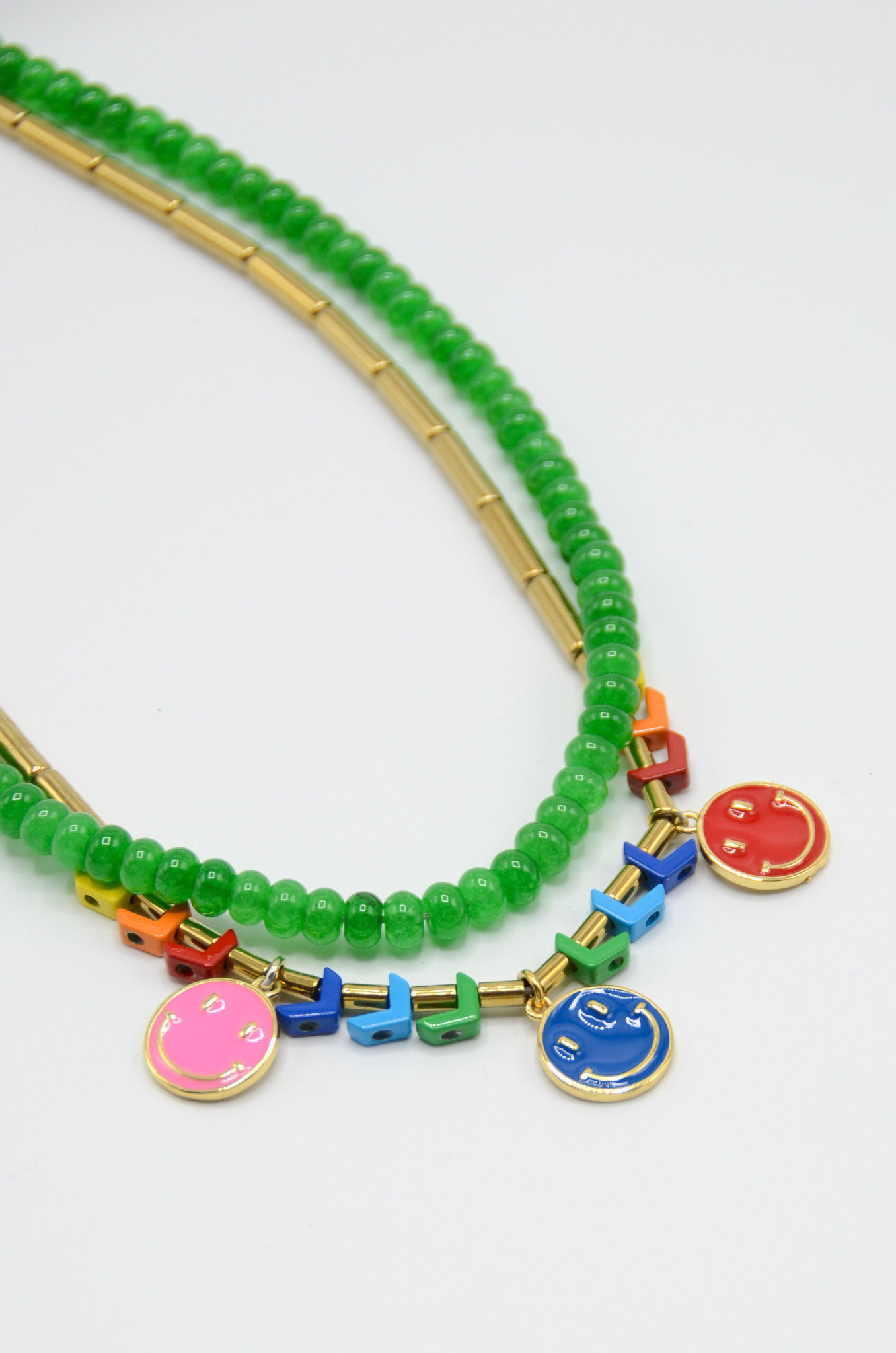 THE SMILEY NECKLACE IN GREEN-1