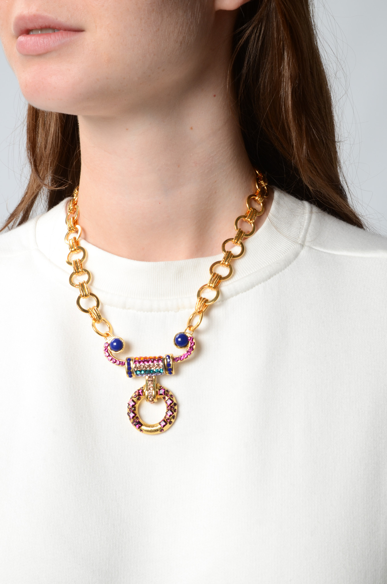 CHAIN NECKLACE WITH FACETED CRYSTAL GEMS-2
