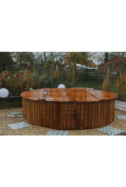 Pimped out Hot tub  pack rond