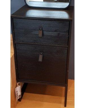 Houten Meubel Outlet Zwart industrieel nachtkastje met lade en deur