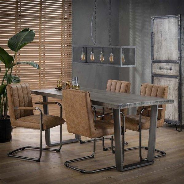 Eetkamertafel 180x90cm in massief mango met trapezium-vormige vintage stalen frame. / Massief mango leem antiek