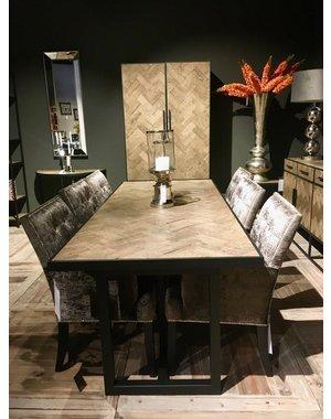 Richmond Interiors Showroommodel * Eettafel Herringbone 240
