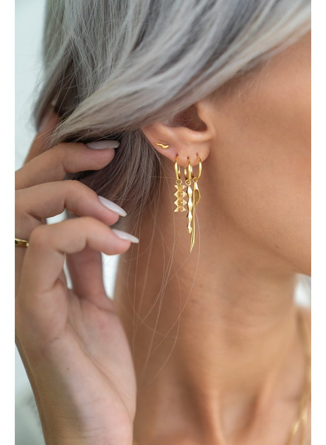 Flawed - Flare Studs Gold