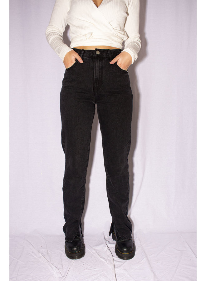 STRAIGHT LEG INSIDE SPLIT JEANS BLACK
