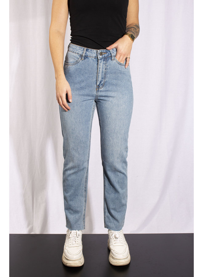 Rut & Circle - Ina Straight Jeans - Light Blue Denim