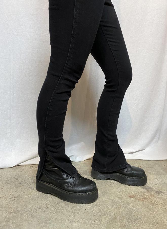 COLLECTION - Yanna Split Jeans - Black