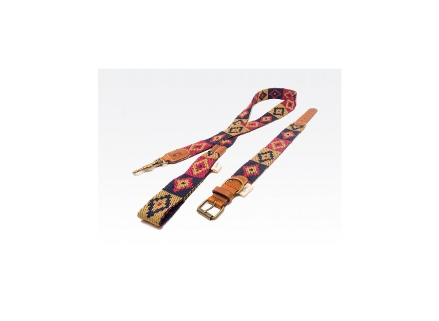 Peruvian Indian  blue halsband