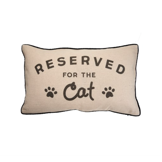 Kussen reserved for cat