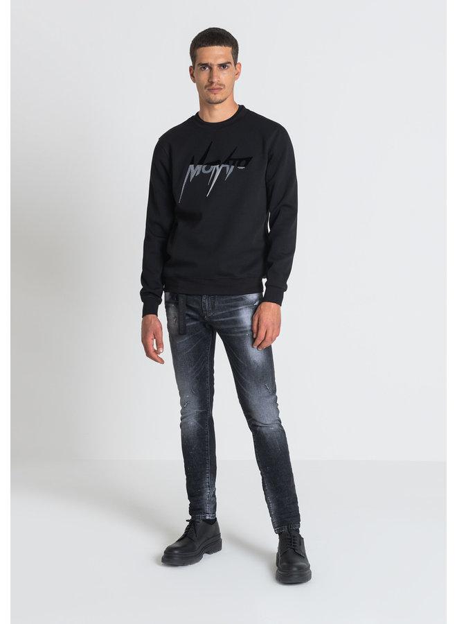 Sweater Back/grey hair