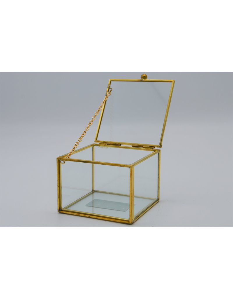 . Vitrine box goud medium  8x8x6 cm (LxBxH)
