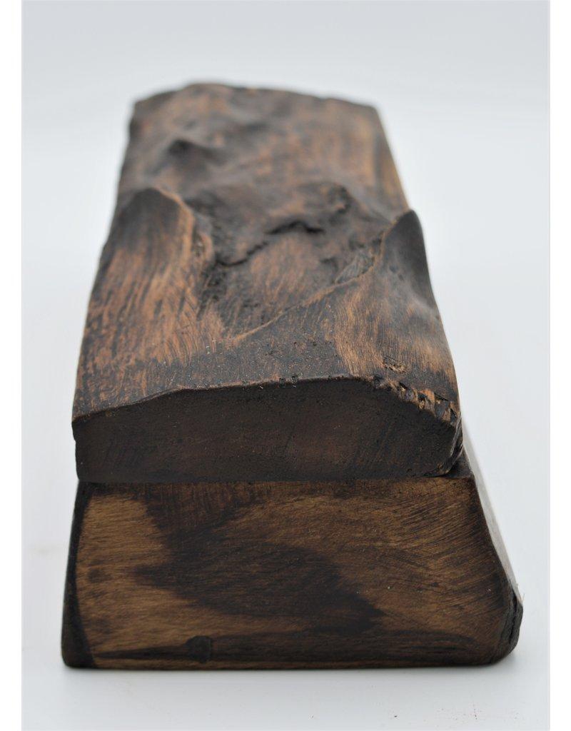 . Box wood big