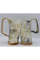 . Drinking cup horn