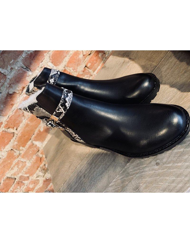 Schoen enkelbotje met slangriem SC052