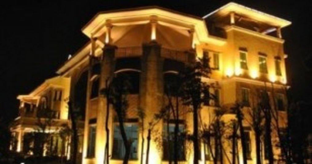 LED bouwlampen worden steeds vaker gebruikt voor gevelverlichting